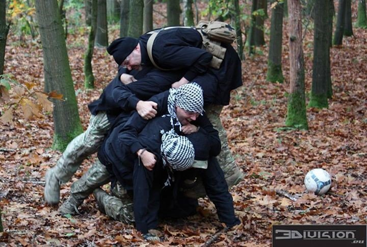 Operation Fist of Fury - Bunker Hill - Voetbal